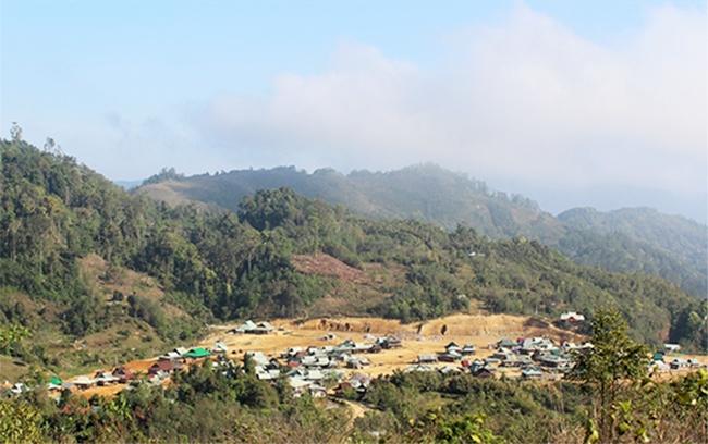 Làng tái định cư Cha'Nốc, xã Ch'Ơm. (Ảnh: ĐH)