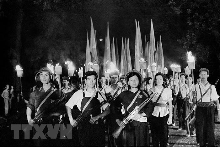 Tháng 5/1964, Phong trào Ba sẵn sàng được phát động trong thanh niên Thủ đô, sau đó lan rộng khắp miền Bắc, góp phần quan trọng vào thắng lợi của cuộc kháng chiến chống Mỹ, cứu nước. (Nguồn: TTXVN)