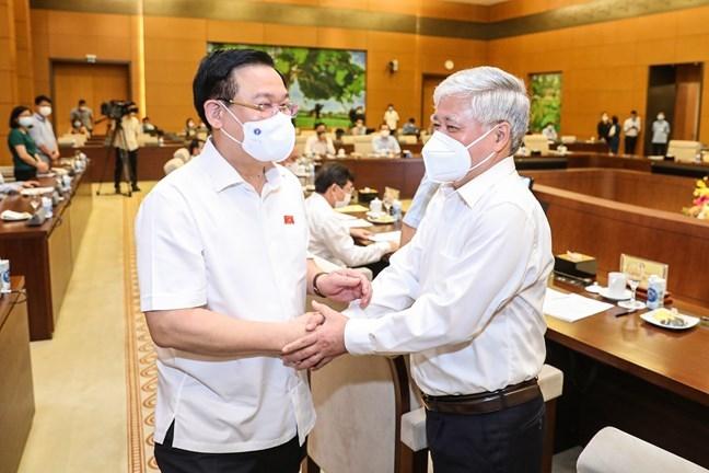 Chủ tịch Quốc hội Vương Đình Huệ và Chủ tịch Ủy ban Trung ương MTTQ Việt Nam Đỗ Văn Chiến