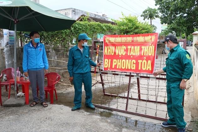 Khu phố 6 phường Phước Mỹ, TP Phan Rang - Tháp Chàm bị phong tỏa khi có ca lây nhiễm Covid-19 trong cộng đồng. Ảnh: Khoa Lê