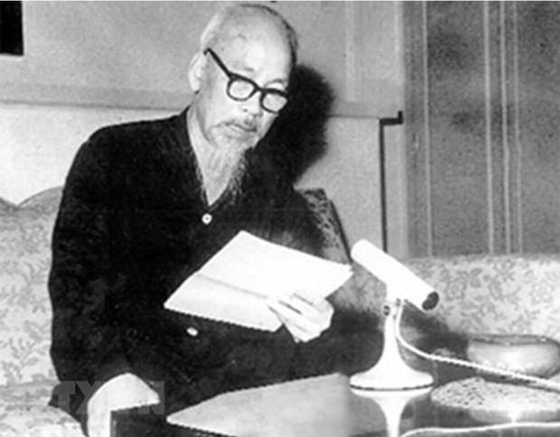 Chủ tịch Hồ Chí Minh đọc Lời kêu gọi đồng bào và chiến sỹ cả nước quyết tâm đánh thắng giặc Mỹ xâm lược, tại Hà Nội, ngày 17/7/1966. Người khẳng định: Không có gì quý hơn độc lập tự do. (Ảnh: Tư liệu/TTXVN phát)