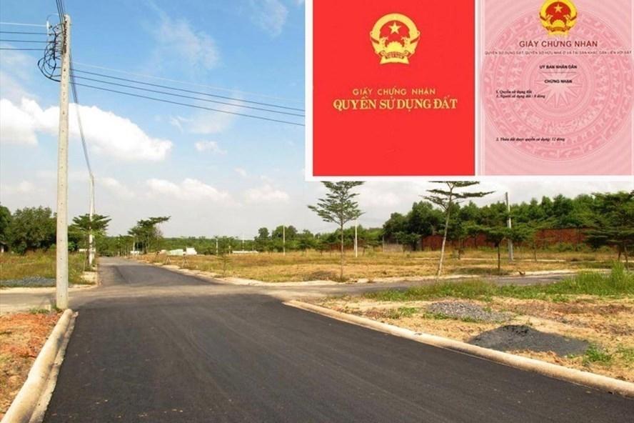Thế chấp quyền sử dụng đất hay còn gọi là thế thế chấp sổ đỏ là một biện pháp bảo đảm phổ biến để vay tiền