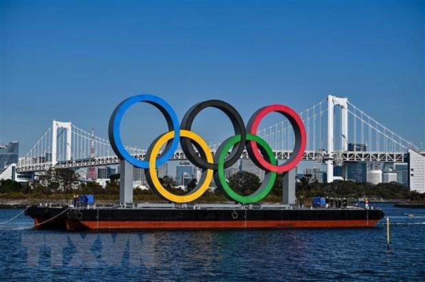 Biểu tượng của Olympic Tokyo tại Tokyo, Nhật Bản. (Ảnh: AFP/TTXVN)