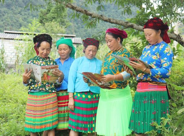 Được sự quan tâm, hỗ trợ của Đảng, Nhà nước, đời sống văn hóa, tinh thần của đồng bào các dân tộc huyện Yên Minh ngày càng được nâng cao. Ảnh: BHG