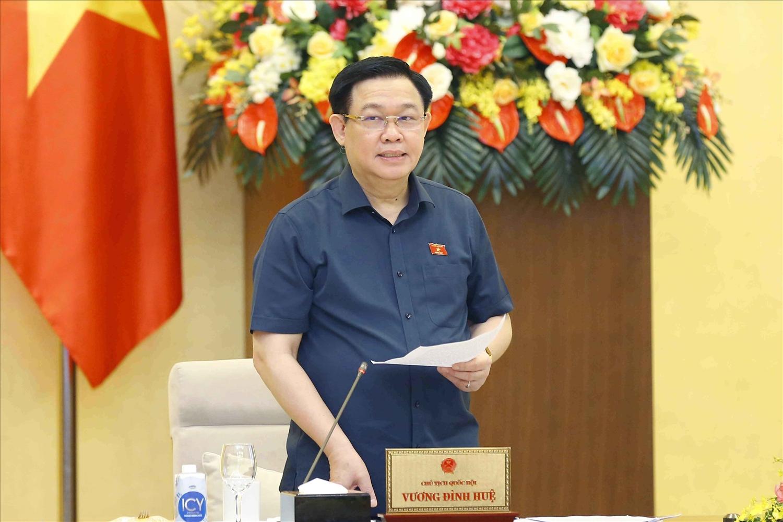 Chủ tịch Quốc hội Vương Đình Huệ phát biểu kết luận cuộc họp. Ảnh:VGP/Nguyễn Hoàng