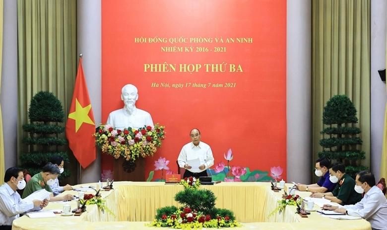 Chủ tịch nước Nguyễn Xuân Phúc chủ trì phiên họp.