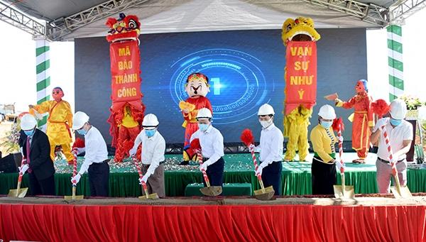 Các đơn vị thực hiện nghi thức khởi công công trình Khu đô thị thương mại du lịch Apec Golden Valley Mường Lò (nguồn Cổng Thông tin Điện tử tỉnh Yên Bái)