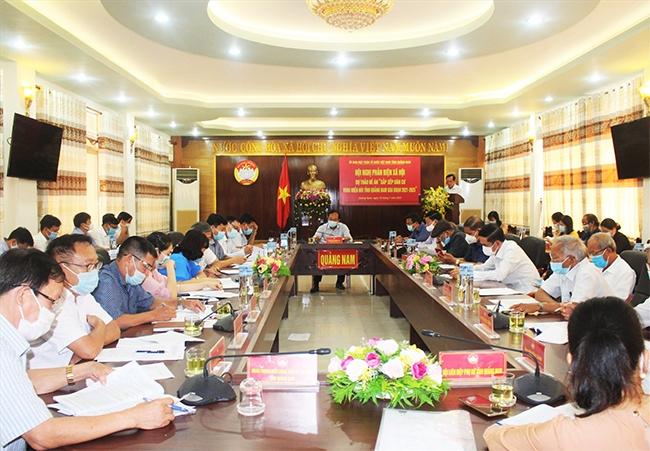 Các đại biểu tham dự Hội nghị sáng 19/7. (Ảnh: A.N)