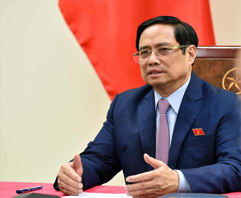 Tại cuộc điện đàm, Thủ tướng Phạm Minh Chính nhấn mạnh hai bên cần tích cực hợp tác để tiếp cận bình đẳng nguồn vaccine trên thế giới hiện nay, nhất là đối với các nước đang phát triển. - Ảnh: VGP/Nhật Bắc