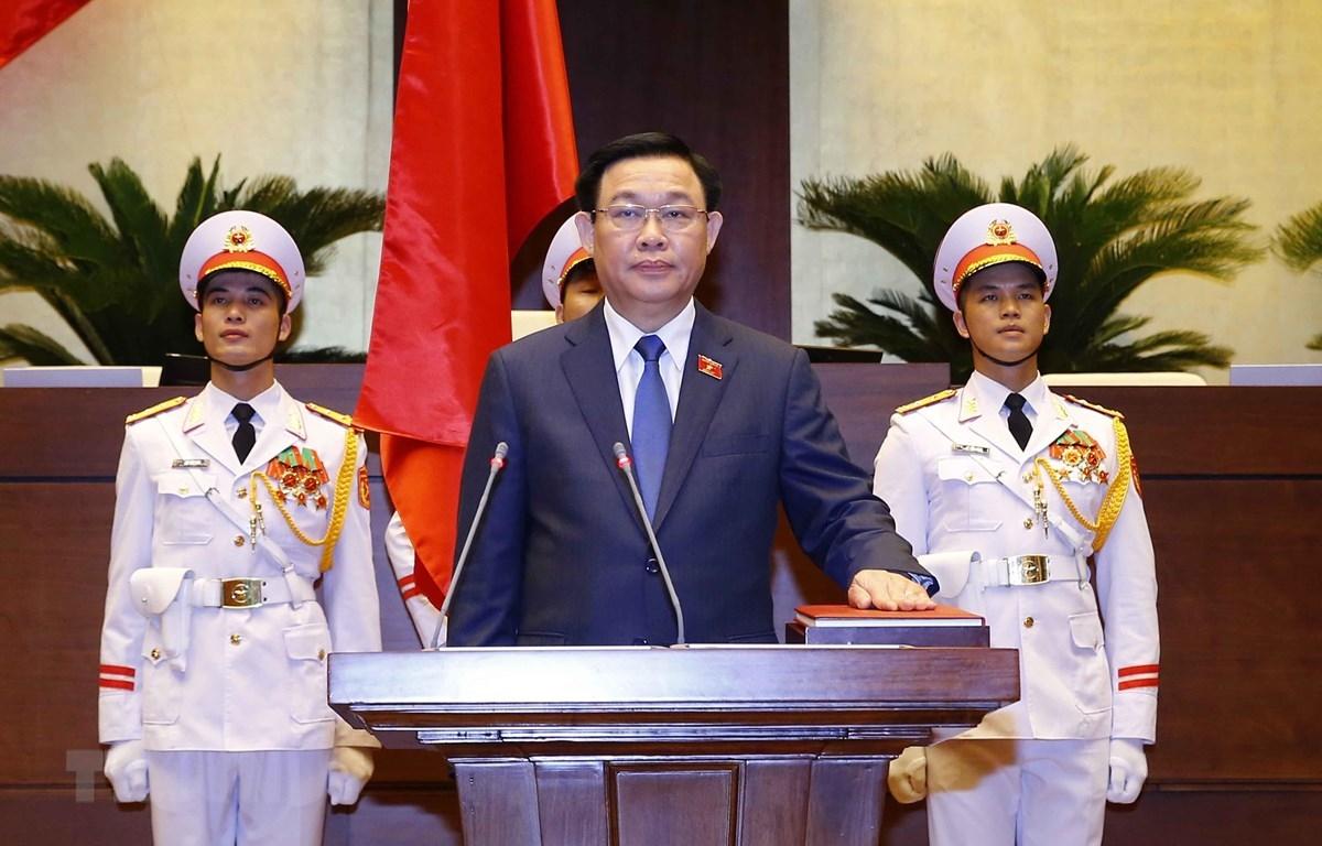 Đồng chí Vương Đình Huệ tuyên thệ nhậm chức Chủ tịch Quốc hội khóa XV. (Ảnh: Doãn Tấn/TTXVN)