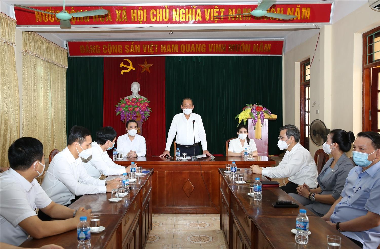 Phó Thủ tướng Thường trực phát biểu tại buổi trao quà Quỹ khuyến học Phúc Thọ. Ảnh: VGP/Lê Sơn