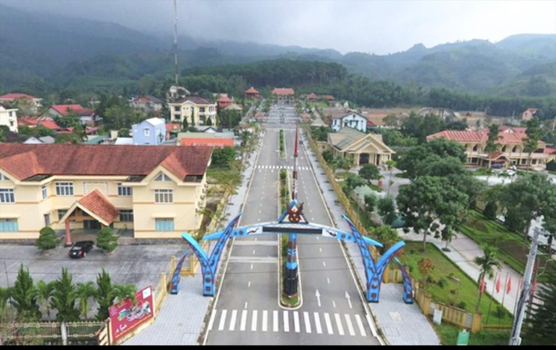 """Đường Hồ Chí Minh qua A Lưới như một """"đường băng"""" lớn để huyện cất cánh"""