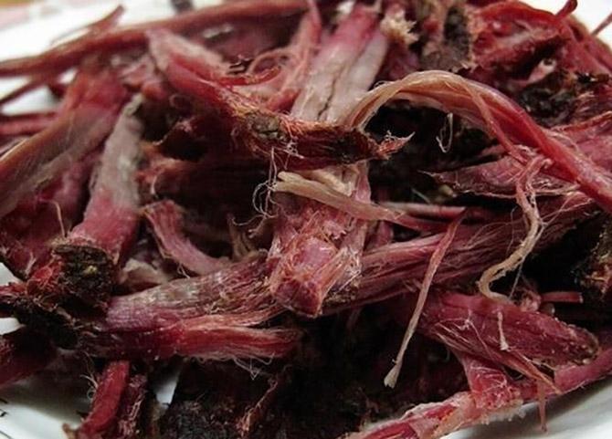 Có cả thịt trâu sấy, thịt lợn sấy - đặc sản của núi rừng Tây Bắc