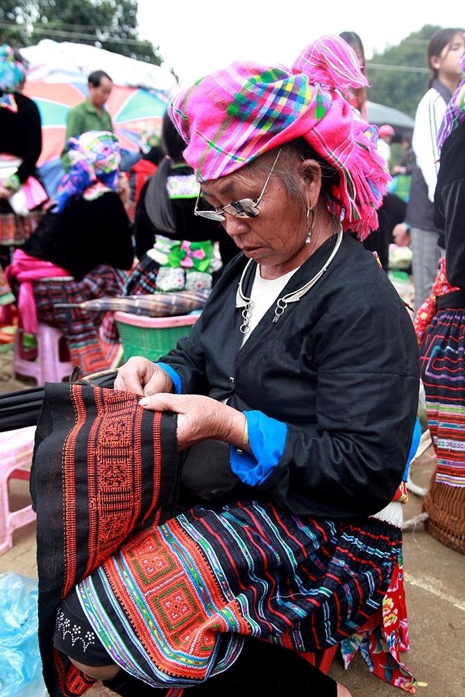 Chợ là nơi hội tụ những nét văn hoá đặc trưng trong đời sống của đồng bào dân tộc tỉnh Lai Châu