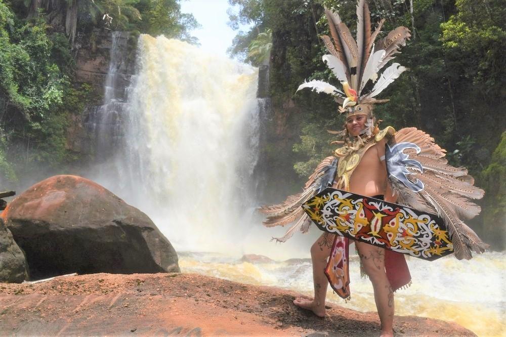 Vũ điệu của người Dayak