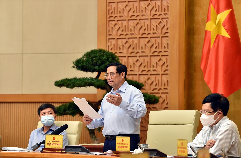 Thủ tướng Phạm Minh Chính yêu cầu lập các đường dây nóng tiếp nhận các phản ánh, kiến nghị, chia sẻ, yêu cầu của người dân. - Ảnh: VGP/Nhật Bắc