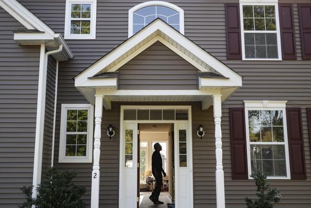 Giá nhà tăng mạnh đã tạo thuận lợi cho những người có nhu cầu bán nhà. (Ảnh minh họa: AP)