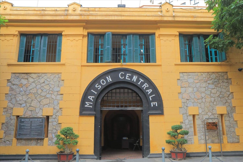 Di tích lịch sử Nhà tù Hỏa Lò