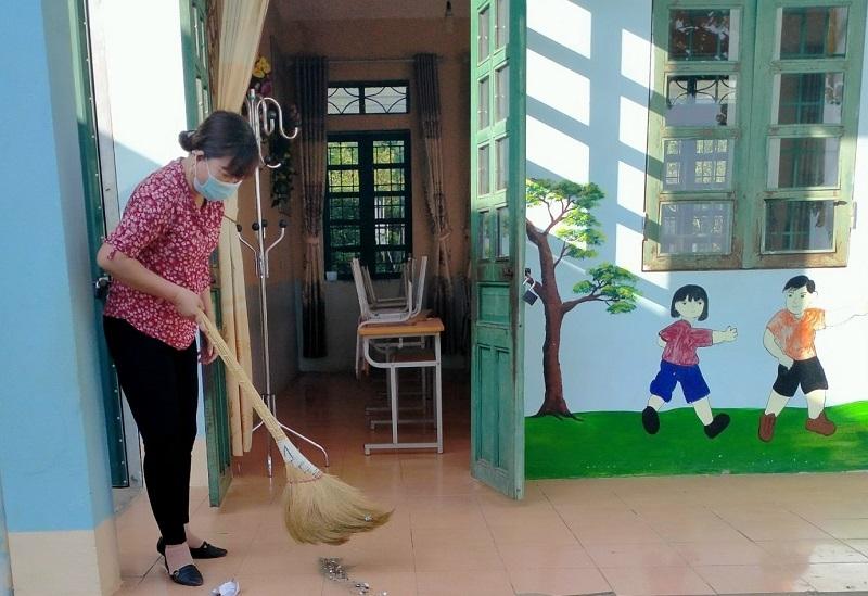 Cô Nguyễn Thị Ngọc vẫn miệt mài với công việc, bám trường, bám lớp dù mang trong mình bạo bệnh.