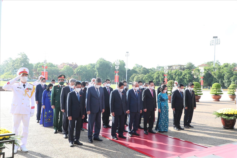 Lãnh đạo Đảng, Nhà nước, Quốc hội, Chính phủ, Ủy ban Trung ương MTTQ Việt Nam viếng Chủ tịch Hồ Chí Minh