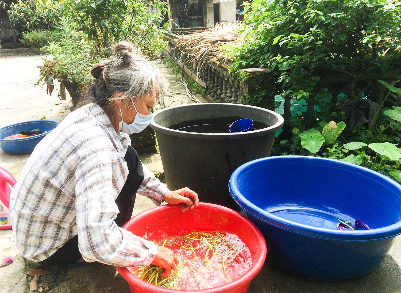 Người dân thôn Phú Hải 1 hàng ngày vẫn phải sử dụng nước giếng