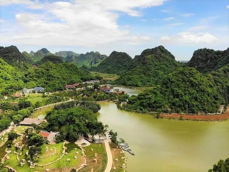Toàn cảnh khu du lịch vườn chim Thung Nham