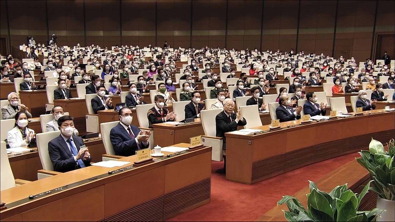 Các đồng chí lãnh đạo Đảng, Nhà nước và các đại biểu tại Kỳ họp