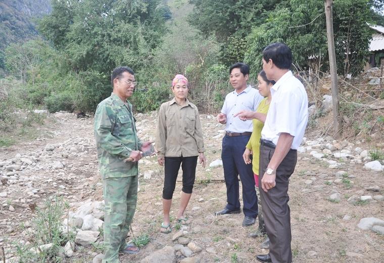 Người có uy tín huyện Mường Lát thường xuyên tuyên truyền cho người dân tích cực tham gia bảo vệ an ninh khu vực biên giới