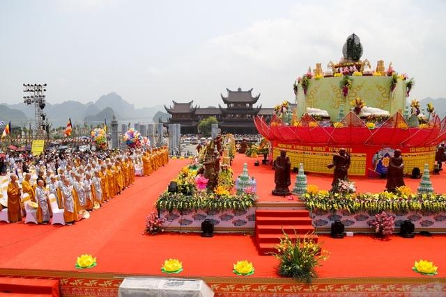 Đại lễ Phật đản Vesak 2019 tổ chức tại Trung tâm Văn hóa Tam Chúc, Kim Bảng, Hà Nam