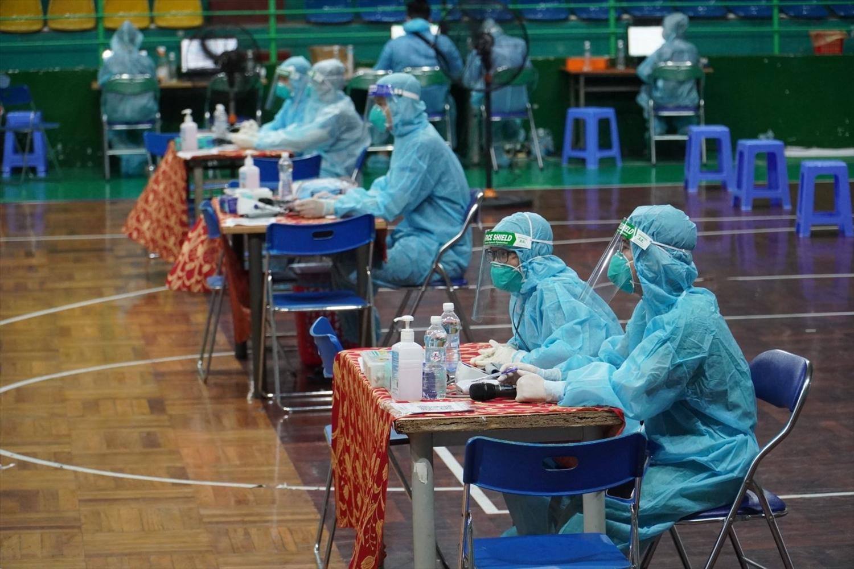 TP. Hồ Chí Minh tổ chức chiến dịch tiêm chủng vaccine đợt 5 với 615 điểm tiêm trên toàn Thành phố. Ảnh: BTT
