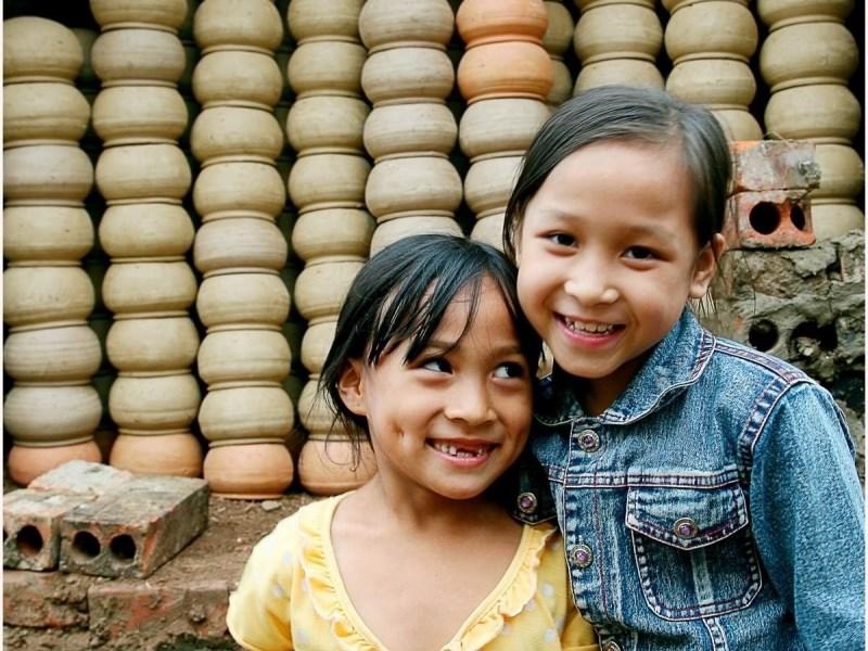 Trẻ em làng gốm