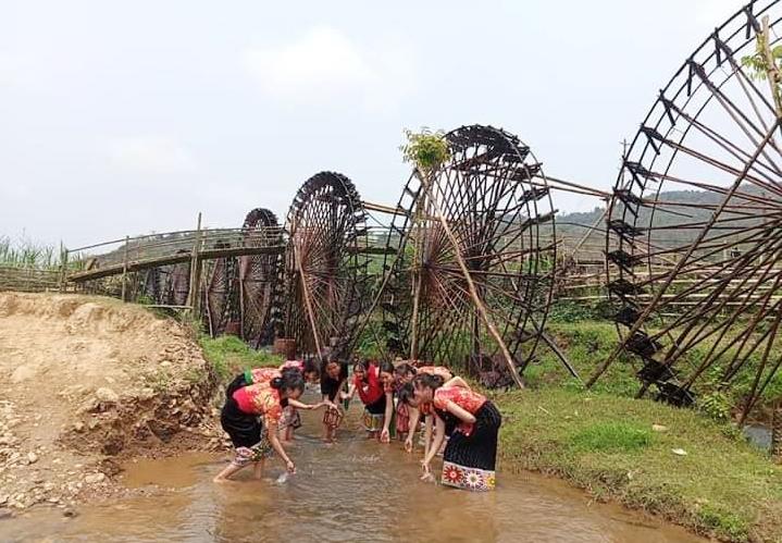Cọn nước tưới tại Bản Cọc, xã Yên hòa, huyện Tương Dương