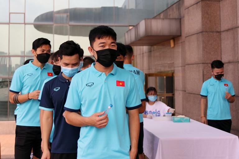 Đội tuyển Việt Nam tuân thủ chặt chẽ các quy định, biện pháp phòng, chống dịch tại các đợt tập trung. (Ảnh: VFF)