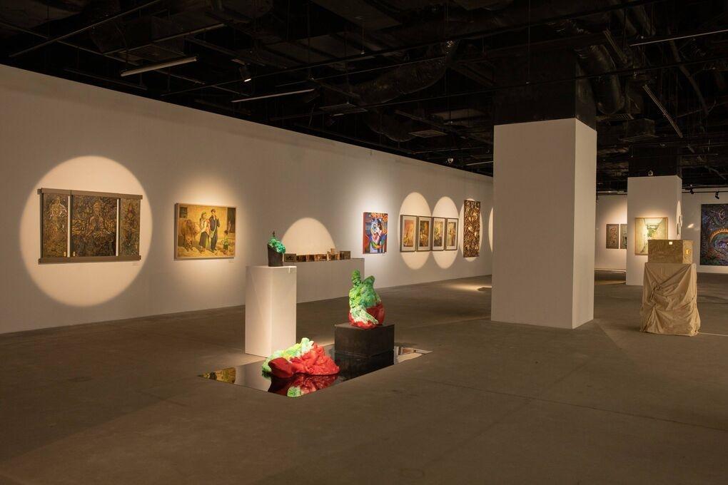 Không gian nghệ thuật đặc sắc trong triển lãm.