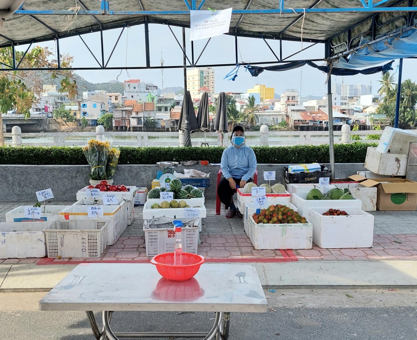 """Khánh Hòa thí điểm mô hình """"đưa chợ ra phố"""" 5"""