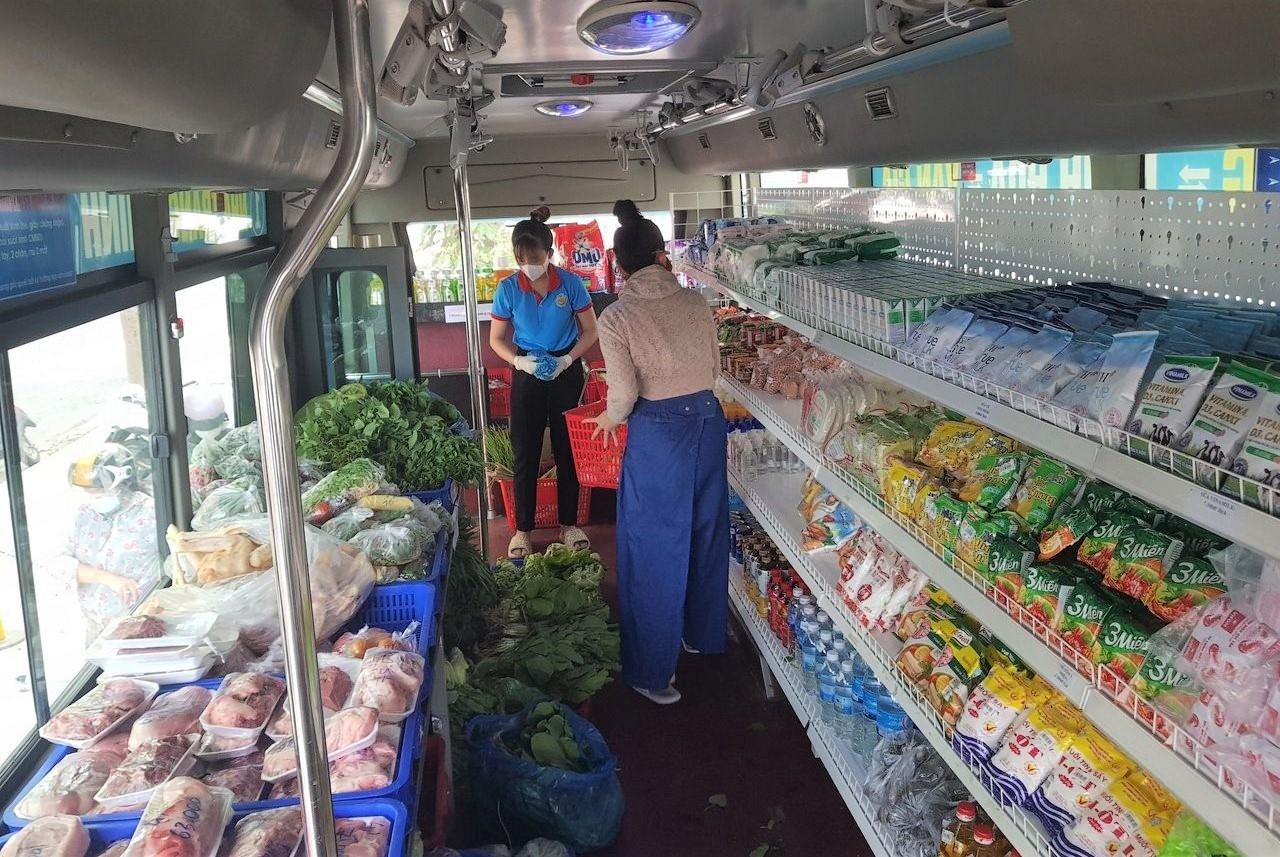 """Khánh Hòa thí điểm mô hình """"đưa chợ ra phố"""" 7"""