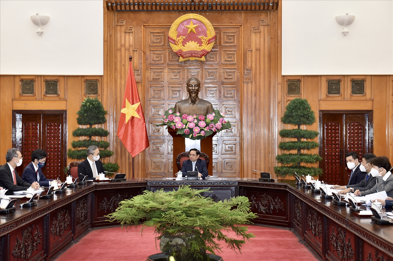 Tại buổi tiếp, Đại sứ Yamada khẳng định Chính phủ Nhật Bản có quan điểm hỗ trợ mọi mặt cho Việt Nam trong tình hình hiện nay - Ảnh: VGP/Nhật Bắc