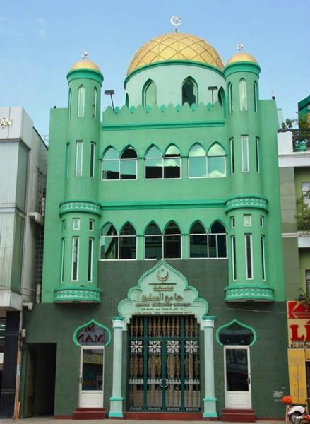 Chính điện Thánh đường Jamiul Muslimin 52 Nguyễn Văn Trỗi, Quận Phú Nhuận (TP. Hồ Chí Minh)