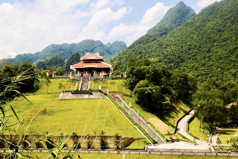 Đền thờ Chủ tịch Hồ Chí Minh tại khu di tích Pác Bó, tỉnh Cao Bằng