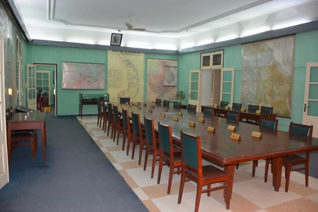 Phòng họp Bộ Chính trị và Quân ủy Trung ương (1968 - 1980) tại di tích Nhà D67, khu trung tâm Hoàng thành Thăng Long - Hà Nội