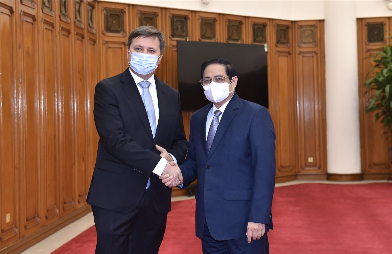 Thủ tướng Phạm Minh Chính tiếp Đại sứ Ba Lan Wojciech Gerwel đến chào xã giao. (Ảnh VGP/Nhật Bắc)
