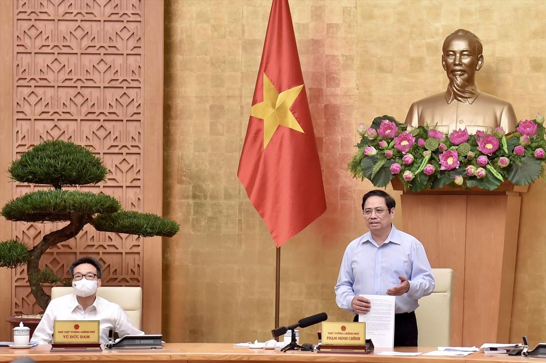 Thủ tướng Chính phủ đã chỉ đạo các đồng chí Bộ trưởng, trưởng ngành, các Bí thư, Chủ tịch các tỉnh, thành phố trực thuộc Trung ương trực tiếp chỉ đạo công tác xây dựng và hoàn thiện thể chế - Ảnh: VGP/Nhật Bắc