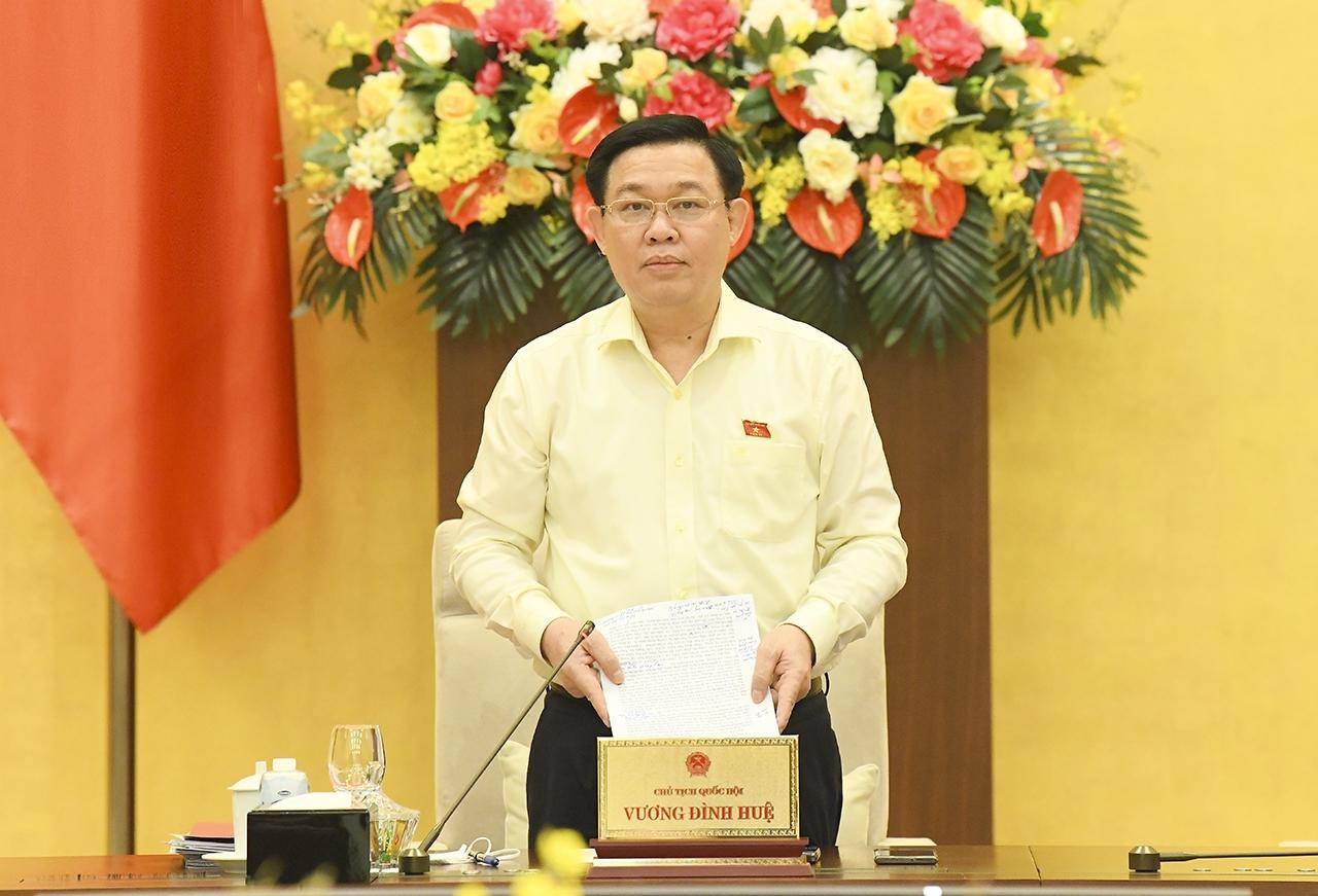 Chủ tịch Quốc hội Vương Đình Huệ phát biểu bế mạc Phiên họp. Ảnh: VGP/Nhật Bắc
