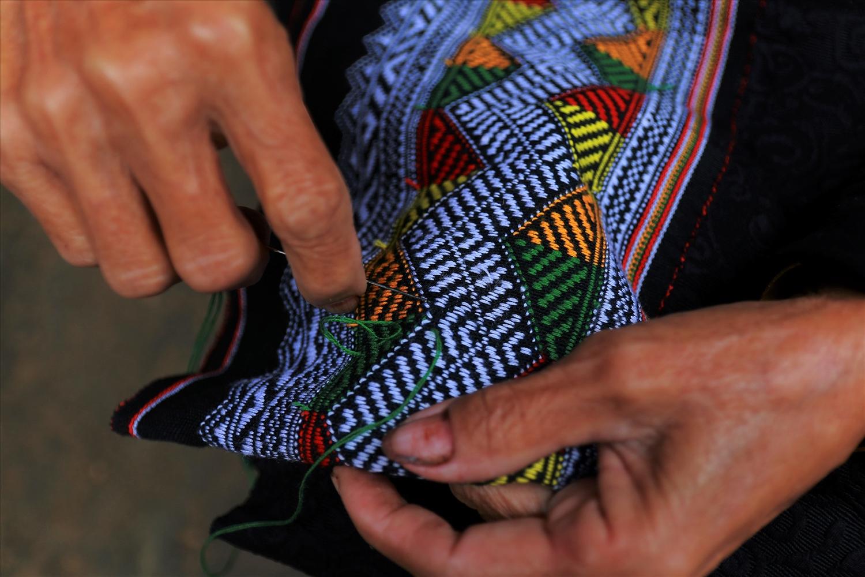 Nét đẹp trang phục của phụ nữ Ơ Đu- dân tộc rất ít người ở Việt Nam 2