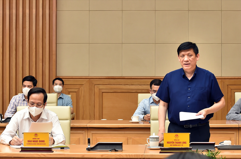 Bộ trưởng Bộ Y tế Nguyễn Thanh Long phát biểu tại cuộc họp - Ảnh: VGP/Nhật Bắc