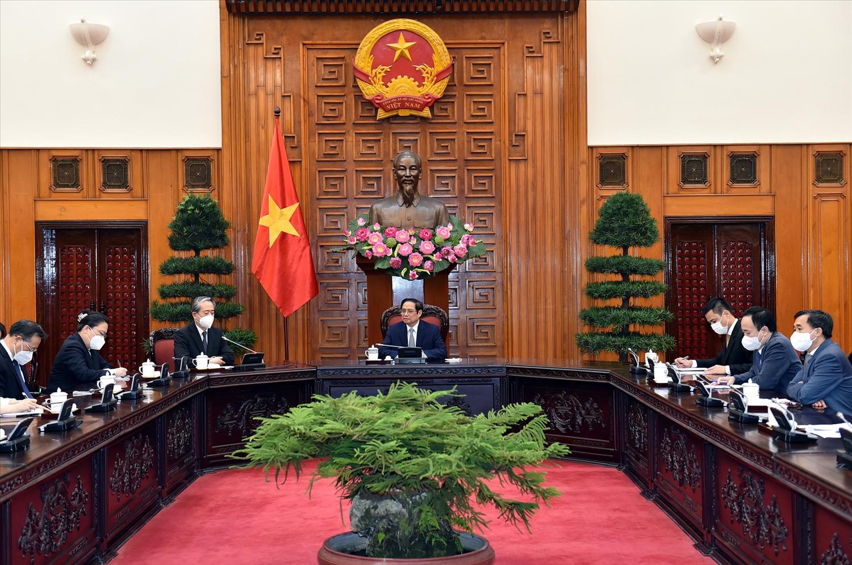 Tại buổi tiếp, Đại sứ Hùng Ba khẳng định Đảng và Chính phủ Trung Quốc coi trọng quan hệ với Việt Nam. Ảnh: VGP/Nhật Bắc