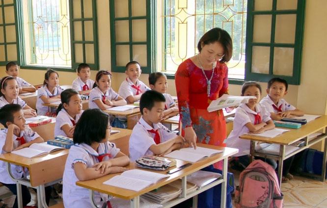 Theo hướng dẫn của BGD&ĐT, cơ sở giáo dục điều chỉnh, thực hiện xây dựng kế hoạch giáo dục nhà trường, kế hoạch giáo dục môn học, thực hiện tinh giản và dạy học các nội dung cốt lõi cho phù hợp. Ảnh minh họa: ITN
