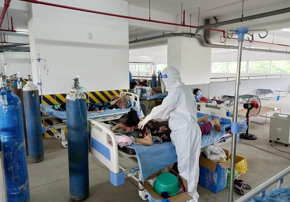 Sơ Mai trong phòng cấp cứu Bệnh viện Dã chiến số 10