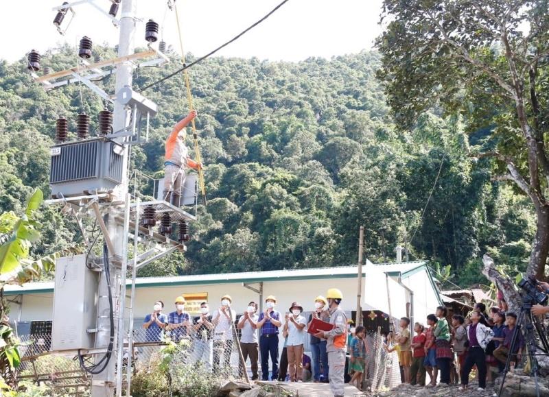 Lễ đóng điện tại bản Tìa Khí, xã Tủa Sín Chải, huyện Sìn Hồ, tỉnh Lai Châu, sáng 29/8.