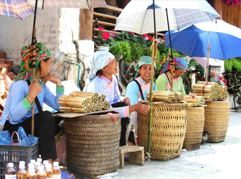 Đặc sản cơm lam món quà tại chợ phiên Tây Bắc